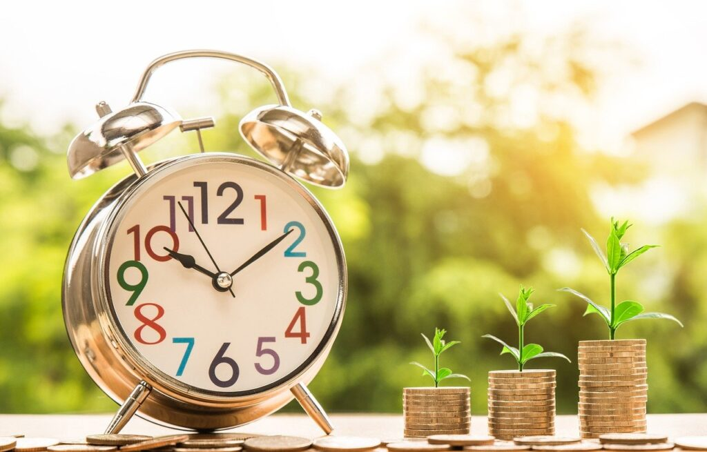 clock, money, growth-2696234.jpg